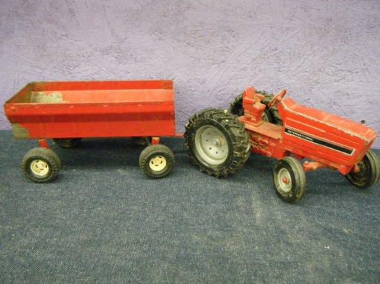 Ertl Tractor & Wagon