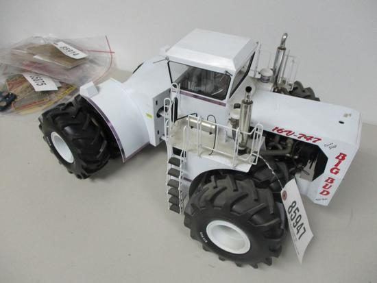 85947 Big Bud 747, toy farmer special edition, 1/16 scale