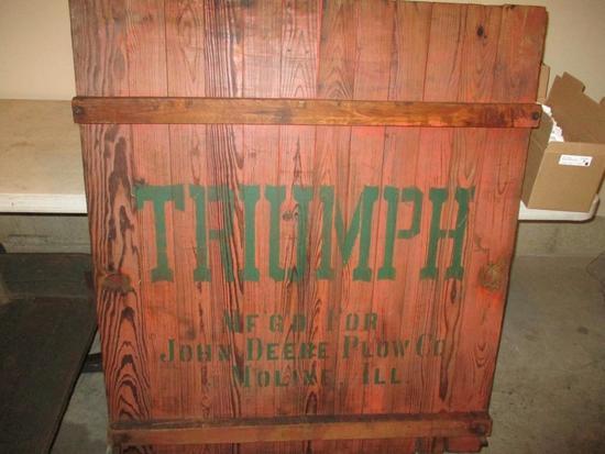 85735 - Triumph wooden wagon end gate, excellent stenciling & lettering