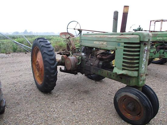 97055- JD A STYLED TRACTOR