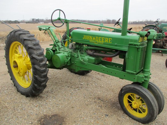 3674-JD B TRACTOR