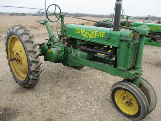 3685-JD B TRACTOR