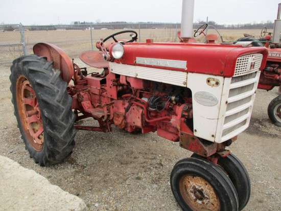 3855-IH 340 TRACTOR