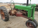 3232-JD A TRACTOR