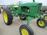 5320-JD 2010 TRACTOR