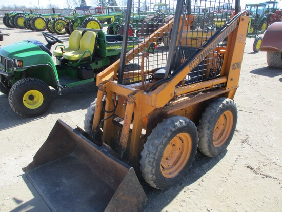 4392- CASE 1816 SKID STEER