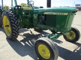 4696-JD2520 TRACTOR