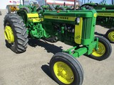 4889-JD 420 W TRACTOR