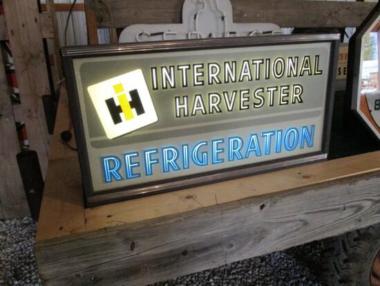 86269-IH REFRIGERATORS GLASS SIGN