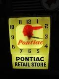 86268-PONTIAC PLASTIC CLOCK