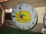99100-JOHN DEERE GLASS CLOCK