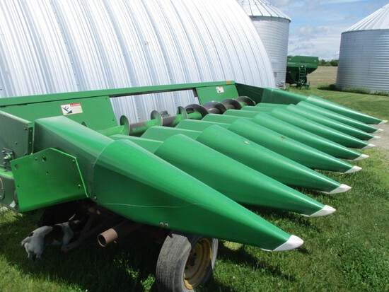 9458- JOHN DEERE 643 CONVERTED TO 8-20 ROW CORN HEAD