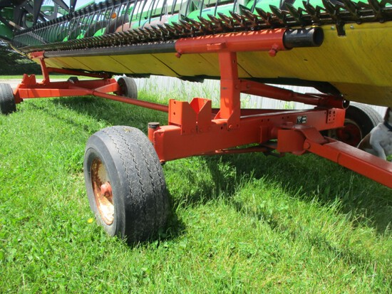 9461- UNITED FARM TOOL 750 HEADER CART