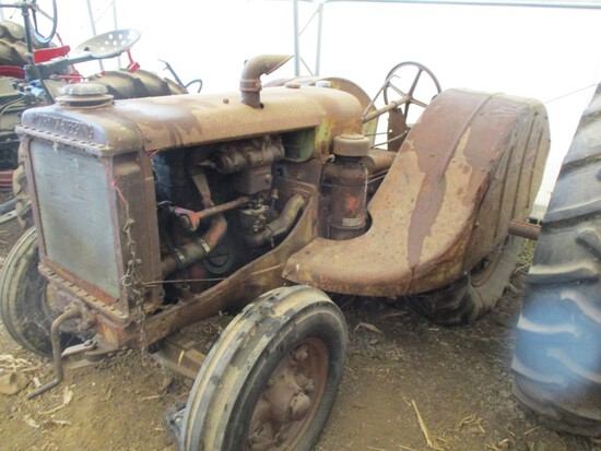 Phil Stroud Collector Tractor Auction - Day #2
