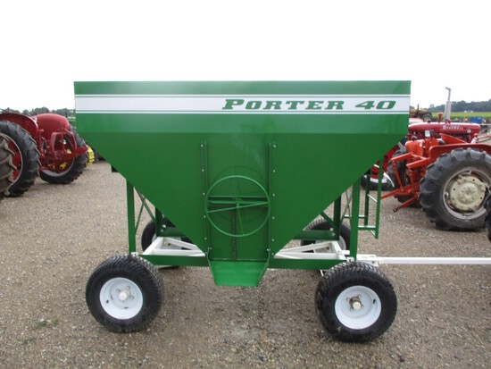 7804-PORTER 40 GREEN MINI GRAVITY WAGON, NEW