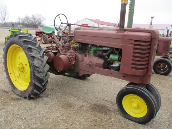 4610-JD GM TRACTOR