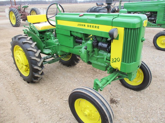 94568-JD 320 S TRACTOR