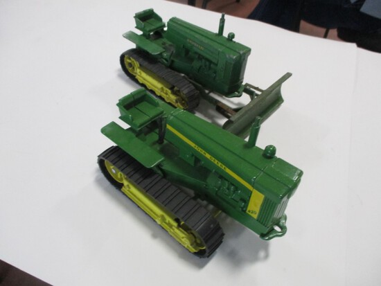 4288-ORIGINAL JD 40 CRAWLER, ORIGINAL JD 420 CRAWLER, 1/16TH SCALE
