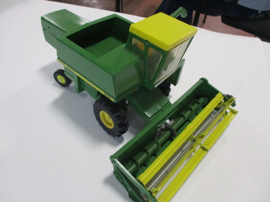 4295-ORIGINAL JD 6600 COMBINE, 1/16TH SCALE