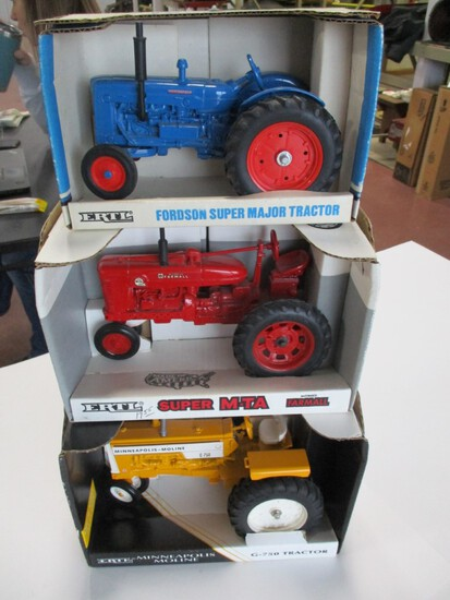 4654-FORDSON SUPER MAJOR, MM G750, IH SUPER MTA, ALL NIB, 1/16TH SCALE