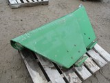 4268-(2) JD DELUXE FENDERS WITH BRACKETS