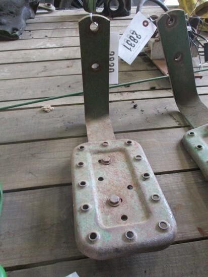 2830-ORIGINAL JD TRACTOR STEP