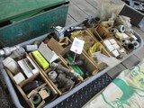 5109-LARGE LOT OF JD HYDRAULIC PARTS