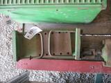 99152- JOHN DEERE NEW GEN FENDER BRACKETS (2)