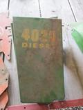 99204- JOHN DEERE 4020 REARENGINE SIDE SHIELDS (2)