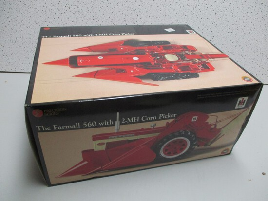 FARMALL 560 W/MOUNTED PICKER 2-MH, PRECISION (NIB)
