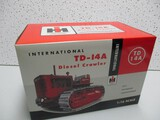 IH TD14A DIESEL CRAWLER, 2002 NATIONAL TOY TRUCK AND CONSTRUCTION SHOW (NIB)