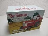 1999 IH 660 TOY FARMER EDITION (NIB)