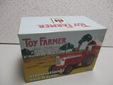 IH 1999 660 TOY FARMER SHOW TRACTOR EDITION