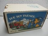 CASE 800 1990 TOY FARMER SHOW TRACTOR EDITION (NIB)