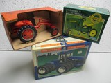 NH 9882, JD 1/32 SCALE PEDAL, A/C G TRACTOR (ALL 1 LOT)