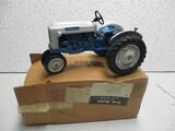 FORD 4000  SCALE MODEL #2753 (NIB)