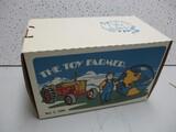 TOY FARMER CASE 800 1990 EDITION (NIB)