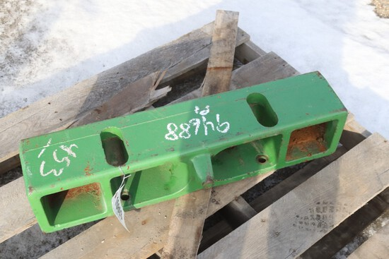 10893- JOHN DEERE WEIGHT BRACKET