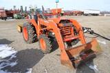 10942- KUBOTA L2500 TRACTOR W/LB400 LOADER
