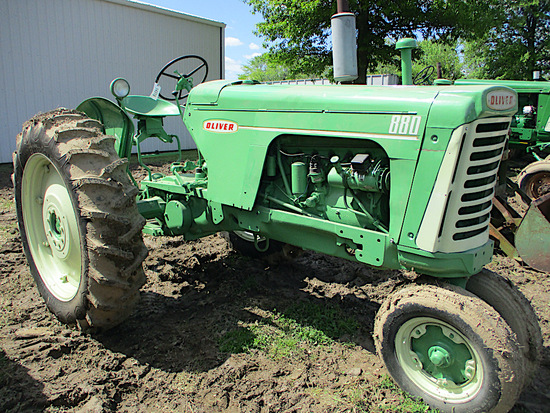 14310-OLIVER 880 TRACTOR