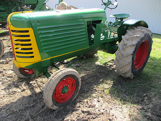 14313-OLIVER 66 TRACTOR