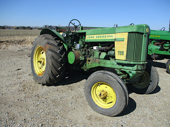 11656-JD 720 TRACTOR