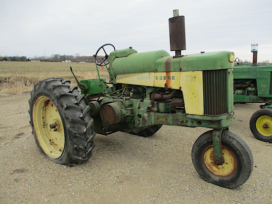 11663-JD 730 LP TRACTOR