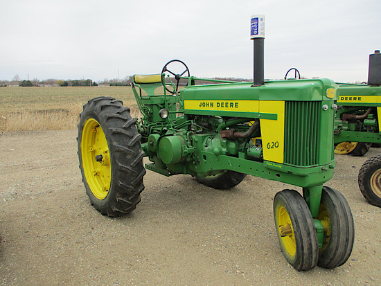 11665-JD 620 TRACTOR