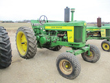 11666-JD 720 TRACTOR