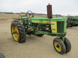 11667-JD 520 TRACTOR