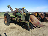 13168-JD G TRACTOR W/  MOUNTED PICKER