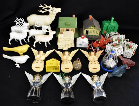 ASSORTED 1940s PLASTIC CHRISTMAS DECORATIONS