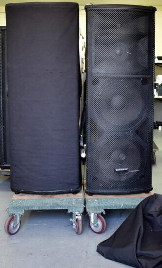 TWO MACKIE SA1532z ACTIVE SPEAKERS