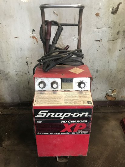 Snap-On YA268 XP Heavy Duty Charger  100/70 Amp  550 Amp Boost